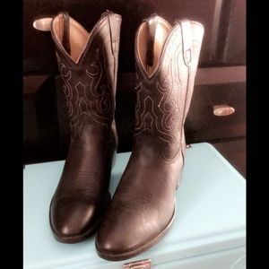Pocono: Cowboy boots size 3 youth